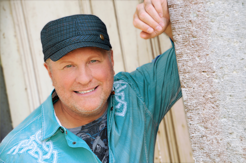 A headshot of Collin Raye.