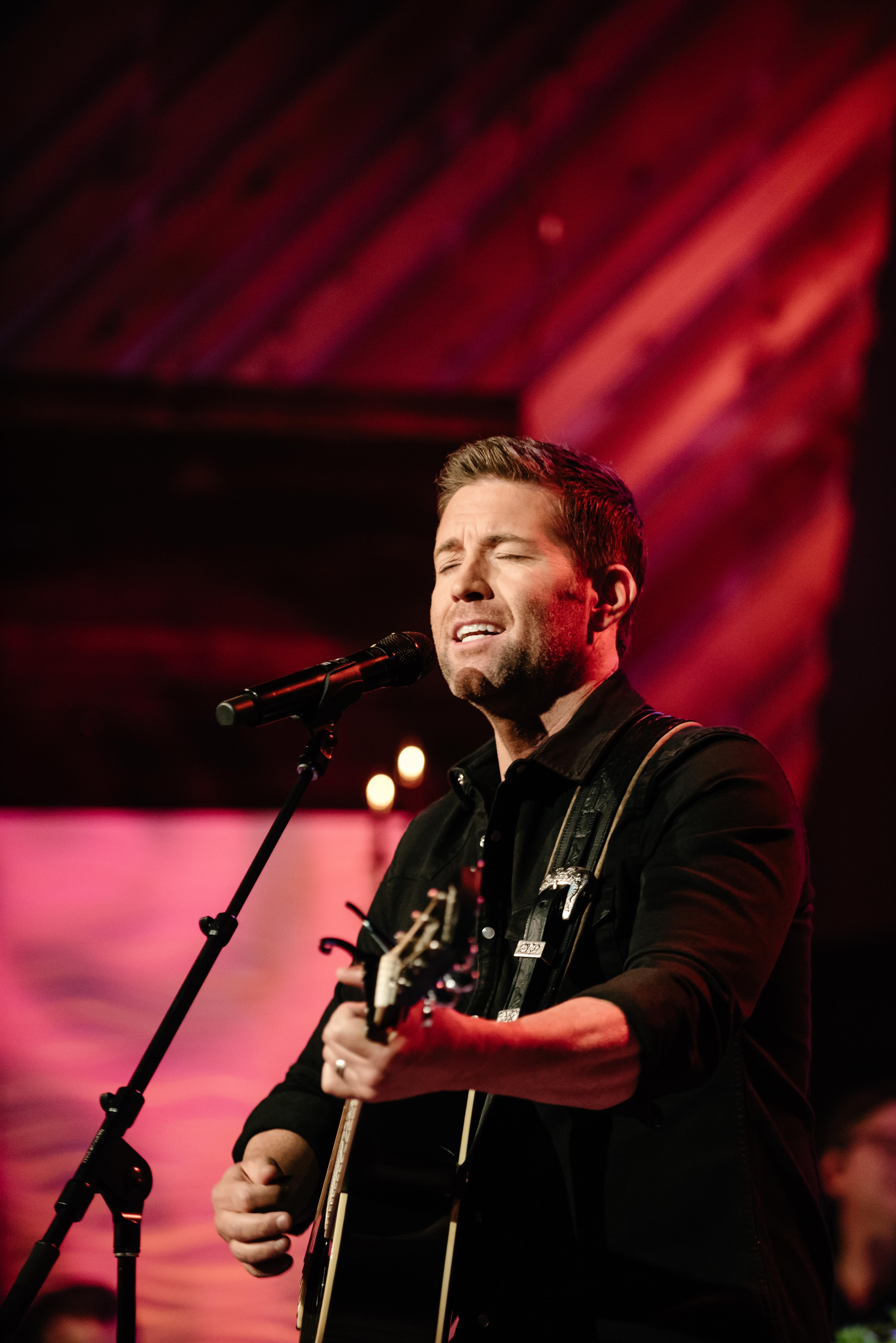 Josh Turner singing songs from his new Gospel album