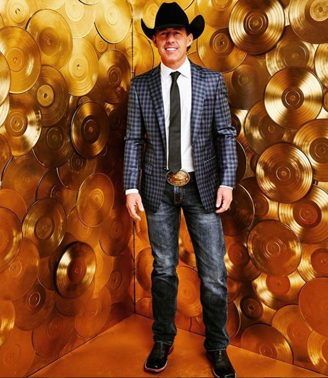 Country music artist and musician, Aaron Watson as featured on the Jesus Calling podcast